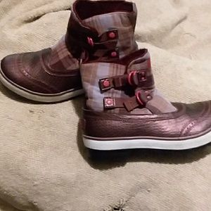 Women's uggs maroon plaid boots size 8